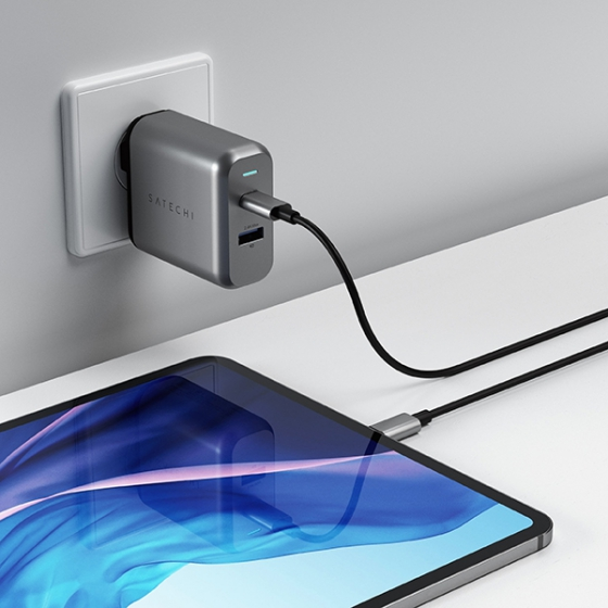 СЗУ Satechi 30W Dual-Port Wall Charger PD 3A/1USB/1USB-C Space Gray темно-серое ST-MCCAM-EU